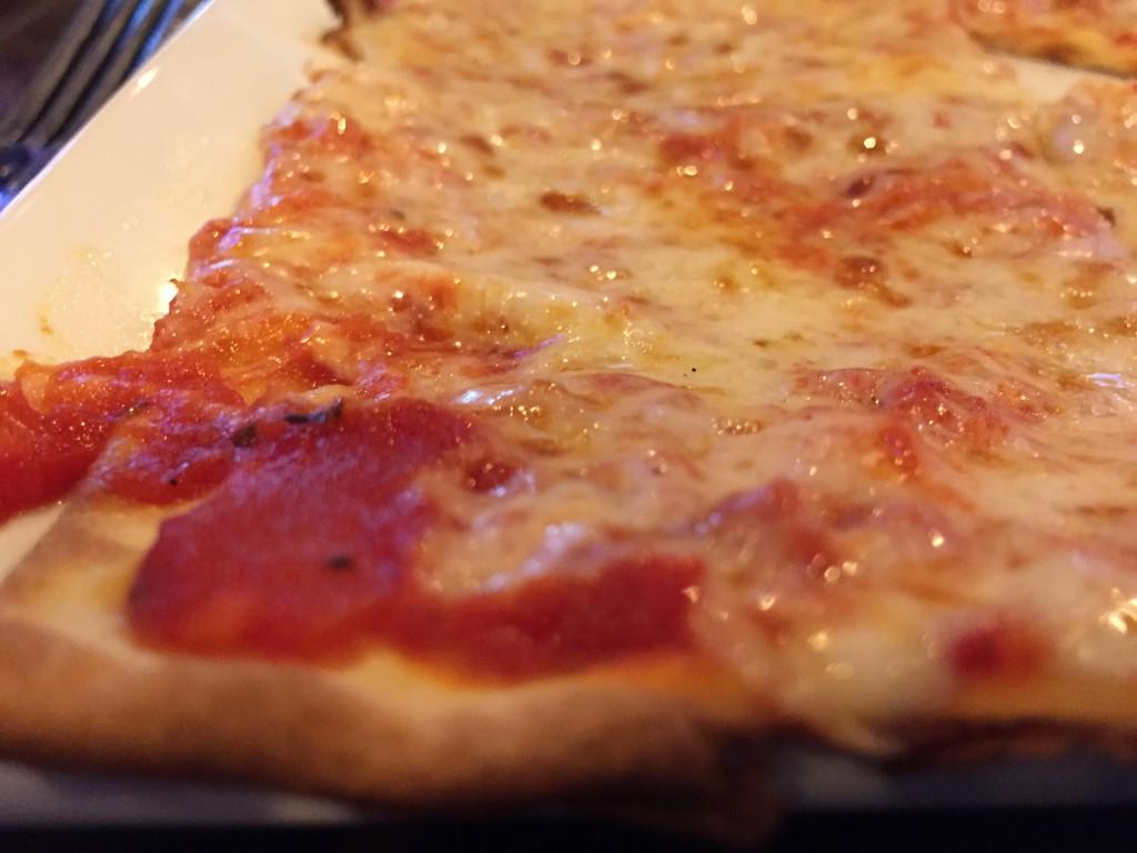 tilted_kilt_pizza.jpg
